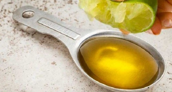 Lemon-with-Olive-Oil